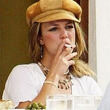 britney-spears-vaping