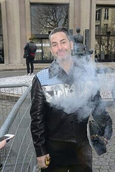 marc-jacobs-vaping